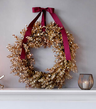 How To Make a Metallic Painted Wreath