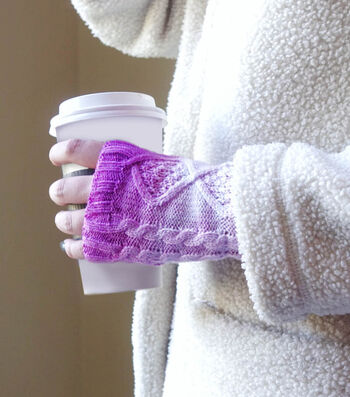 How To Make Dip-Dyed Acrylic Mittens