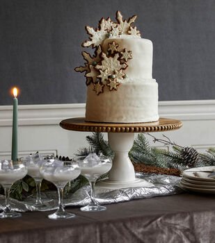 How To Make A Gingerbread Winter Wedding Cake