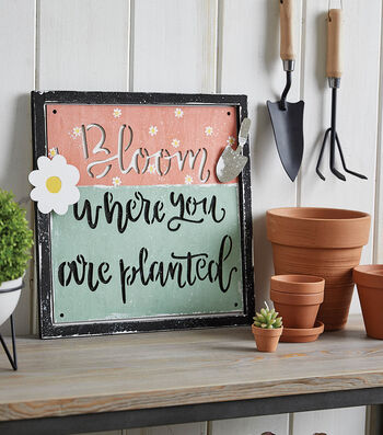 How to Make a Bloom Wall Hanging