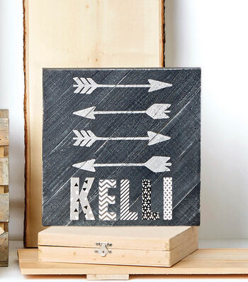 Make A Distressed Arrow Pallet