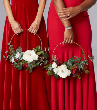 How To Make A Winter Wedding Hoops