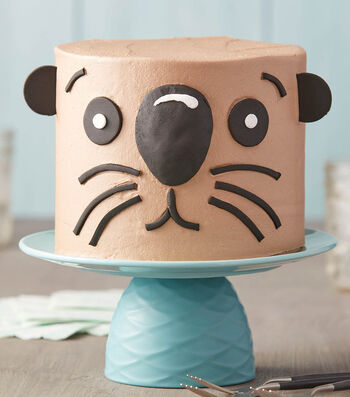 How To Make an Otterly Adorable Otter Cake