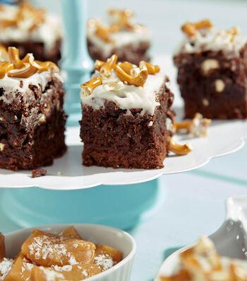 How to Make Salted Caramel Pretzel Brownies