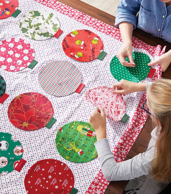 How To Make A Christmas Ornament Quilt