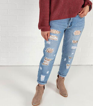 How To Make a DIY Lace Jeans