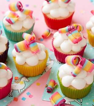 How To Make A Rainbow Candy Curl Cupcakes