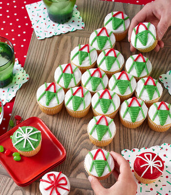 How To Make Red And Green Pull-Apart Cupcakes