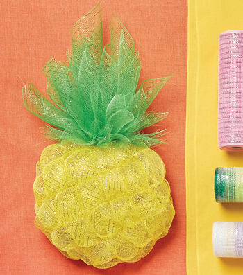 Learn to Make a Deco Mesh Pineapple Wreath