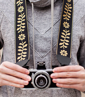 How To Make A Floral Camera Strap