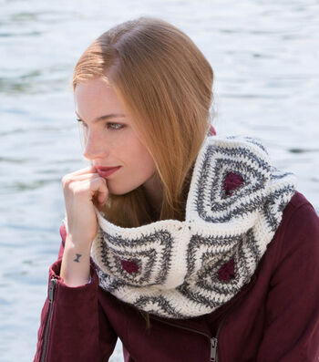 How To Make A Radiating Triangles Crochet Cowl