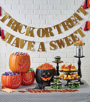 How To  Make A Halloween Treat Tablescape