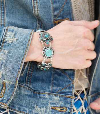 Make A Turquoise and Silver Stretch Bracelet
