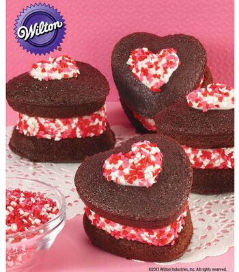 Love These Heart-Shaped Ice Cream Whoopie Pies