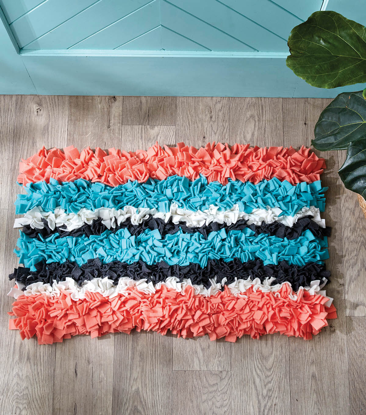 Delightful How To Make A Blizzard Fleece Shag Rug
