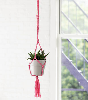 How To Make a Lion Brand Rewind Knotted Plant Hanger