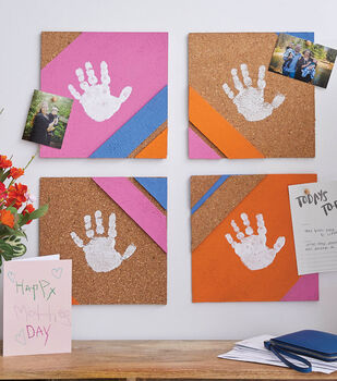 How To Make a Handprint Deco Corkboard