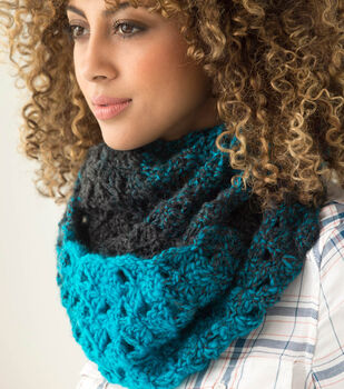 How To Make A Lion Brand Scarfie 1 Ball Cowl