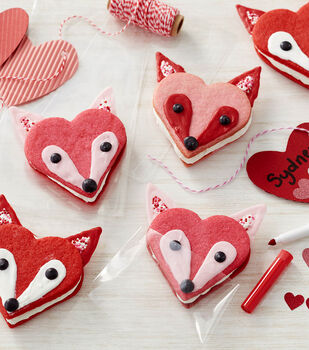 How To Make Foxy Cookie Sandwiches