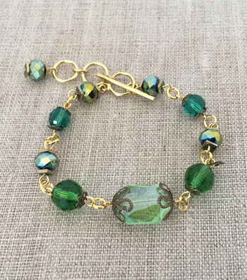 How To Make An Evergreen Bracelet