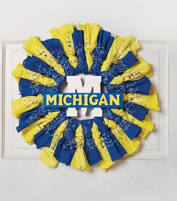 How To Make A Michigan Bandana Wreath