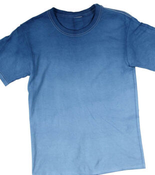 """How To Make A """"Baby Blues"""" Ombre Dyed T-shirt"""