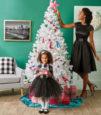 How To Make A Mommy & Me Matching Holiday Outfit