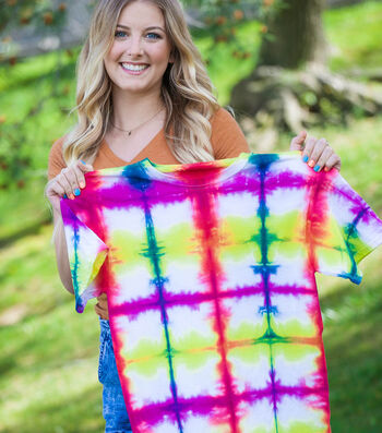 How To Make A Folding Technique Tie-Dye T-Shirt