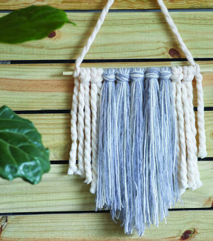 How To Make A To the Point Fringe Wall Hanging