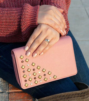 How To Make a DIY Upcycled Purse