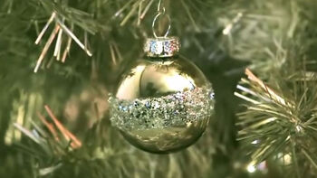 How to Make Holiday Glitter Ball Ornaments