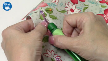 How To Use A Dritz Seam Ripper