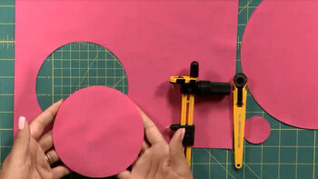 Create fabric circles easily with the Olfa Rotary Circle Cutter