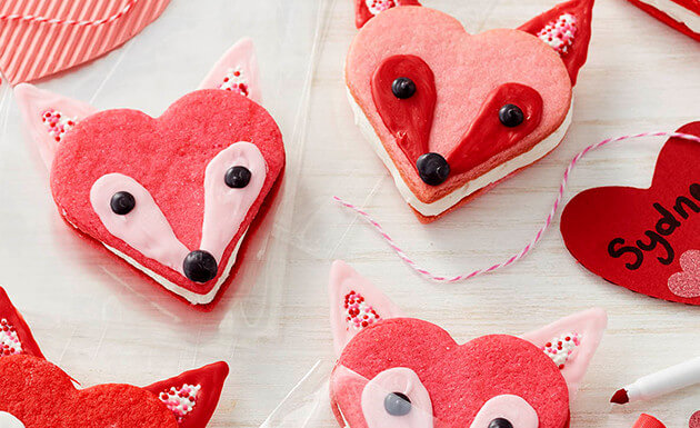 image of fox cookie sandwiches