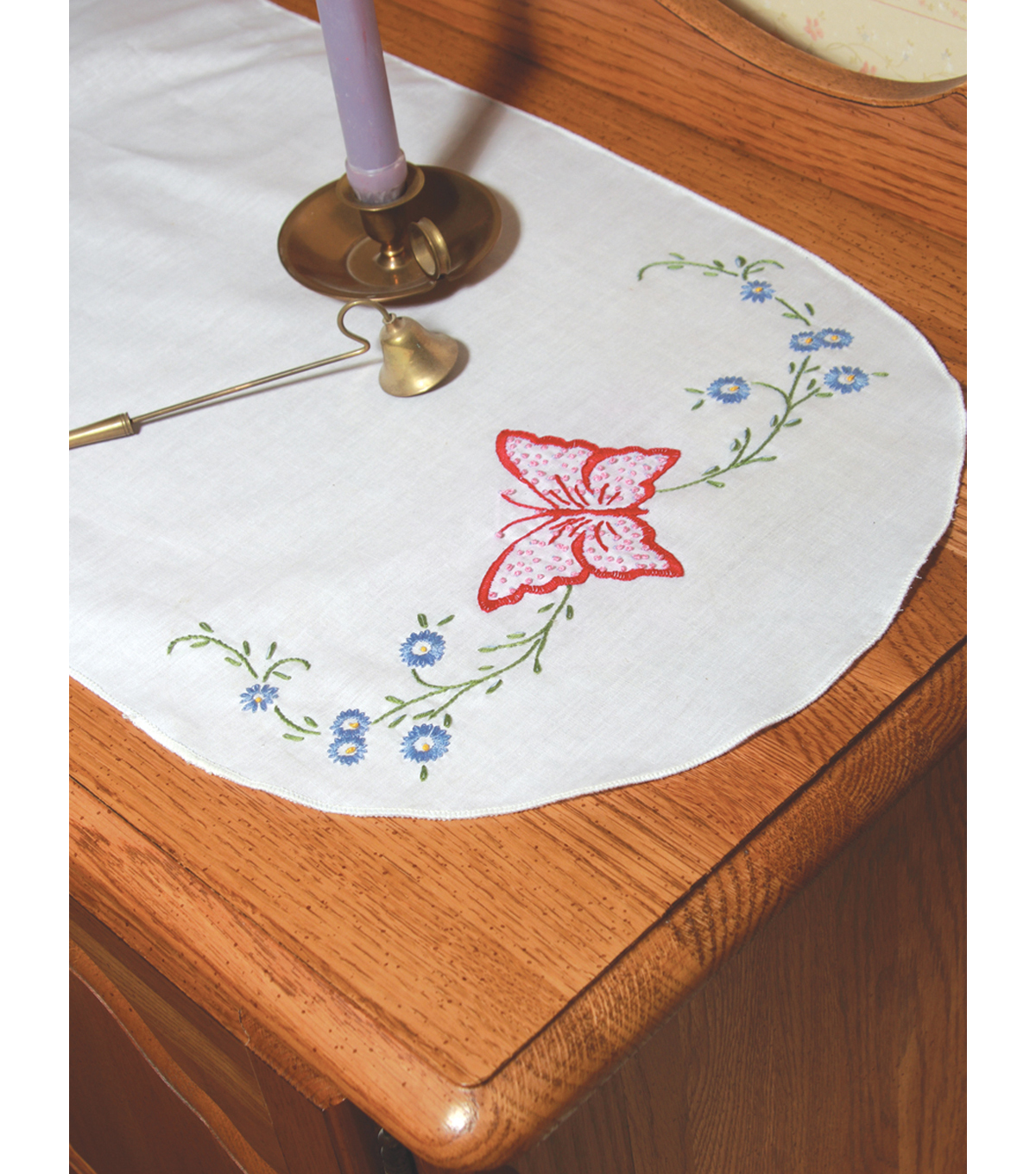Fairway Stamped Perle Edge Dresser Scarf Daisy Butterfly