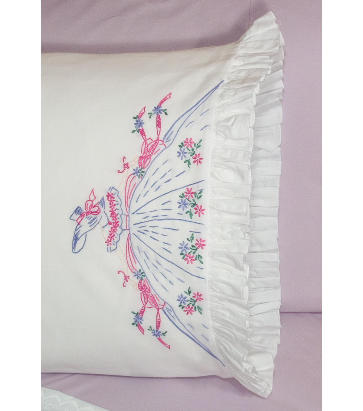Fairway Stamped Lace Edge Pillowcase Southern Bell