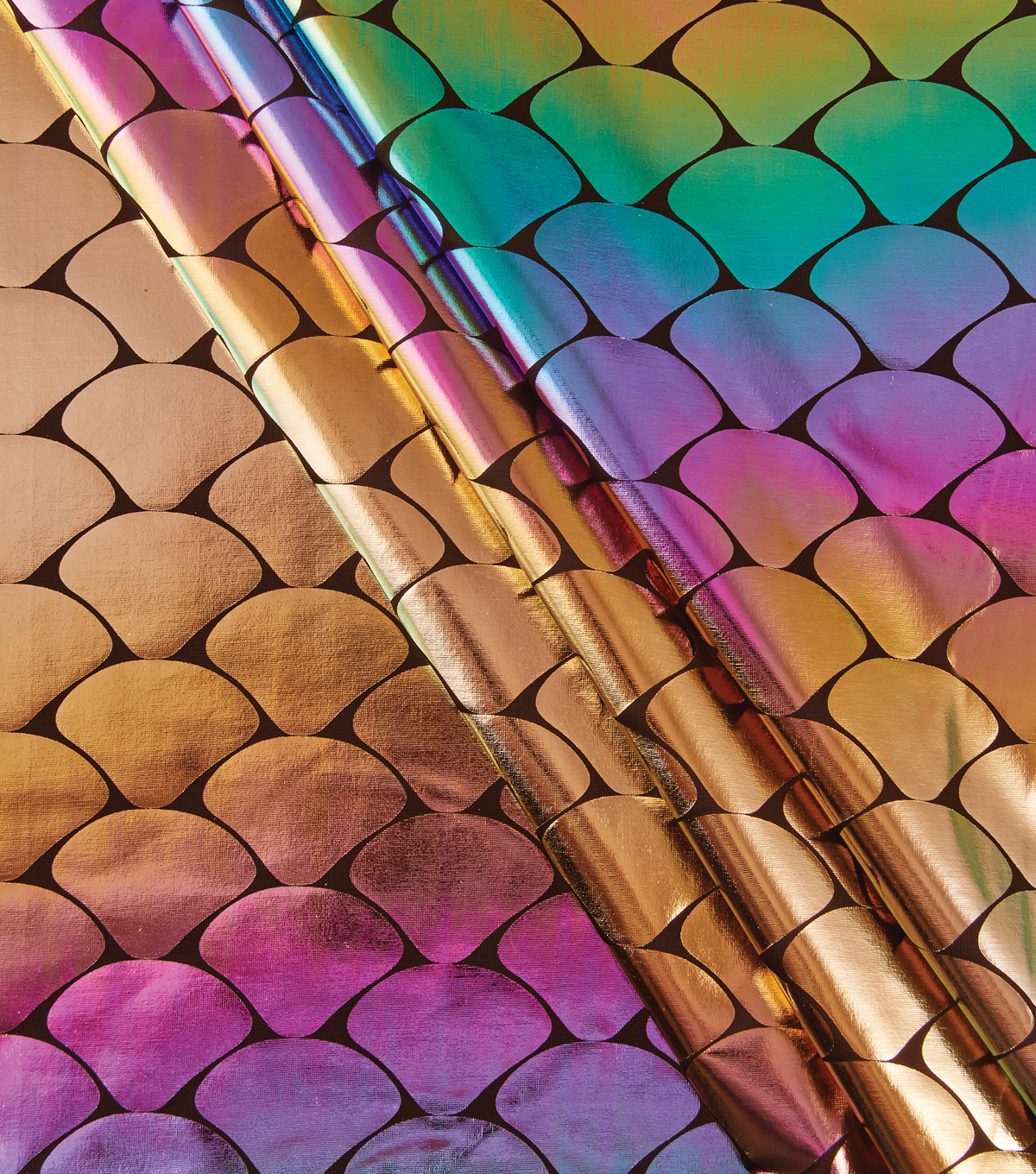 Yaya Han Collection Holographic Scales-Ombre Oil Slick