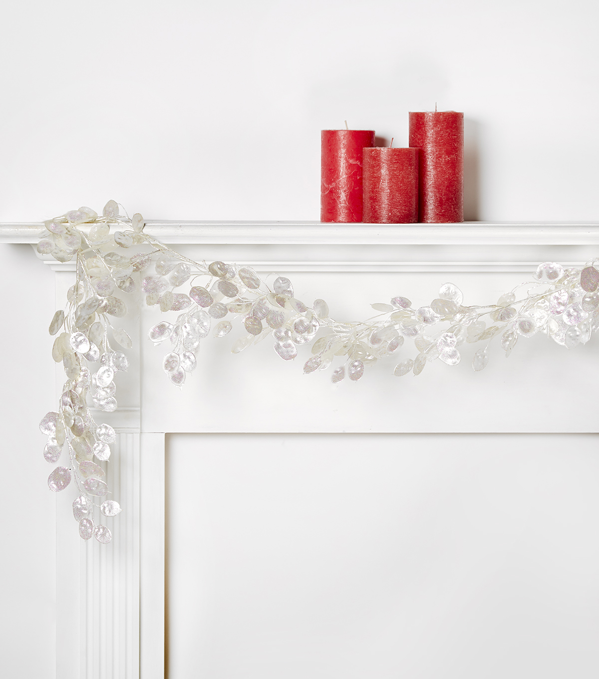Blooming Holiday Silver Dollar Garland-White