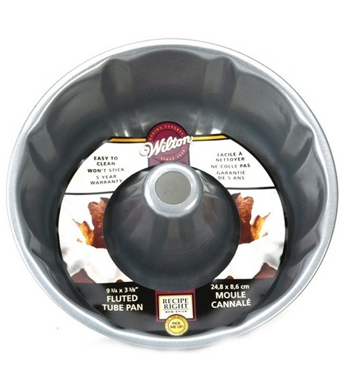 Wilton 9 3/4 in. Recipe Right Fluted Tube Pan