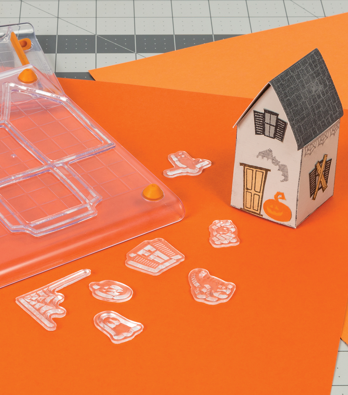 Fiskars Clear Stamps-Tiny Haunted House
