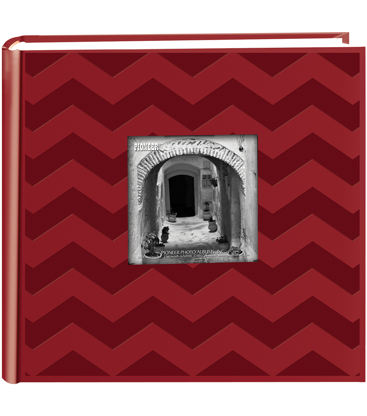 Embossed 2-Up Photo Album 4\u0022X6\u0022 200 Pockets, Red Chevron