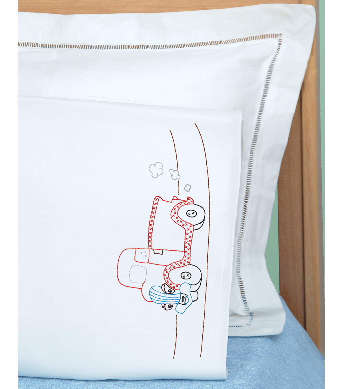Children\u0027s Stamped Pillowcase With White Perle Edge 1/Pkg-Old Truck Friend