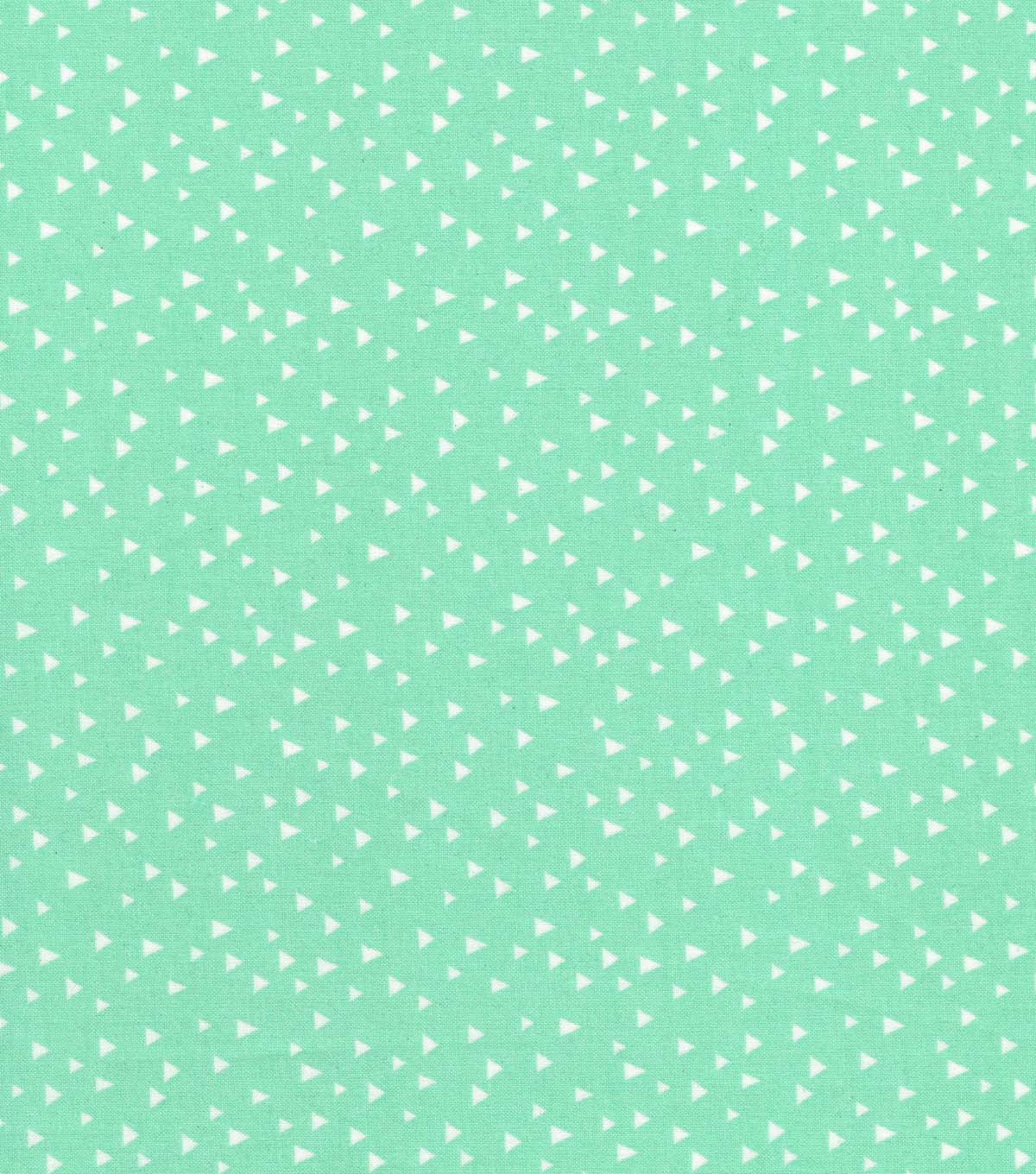Quilter\u0027s Showcase Cotton Fabric 44\u0027\u0027-White Scattered Triangles on Mint