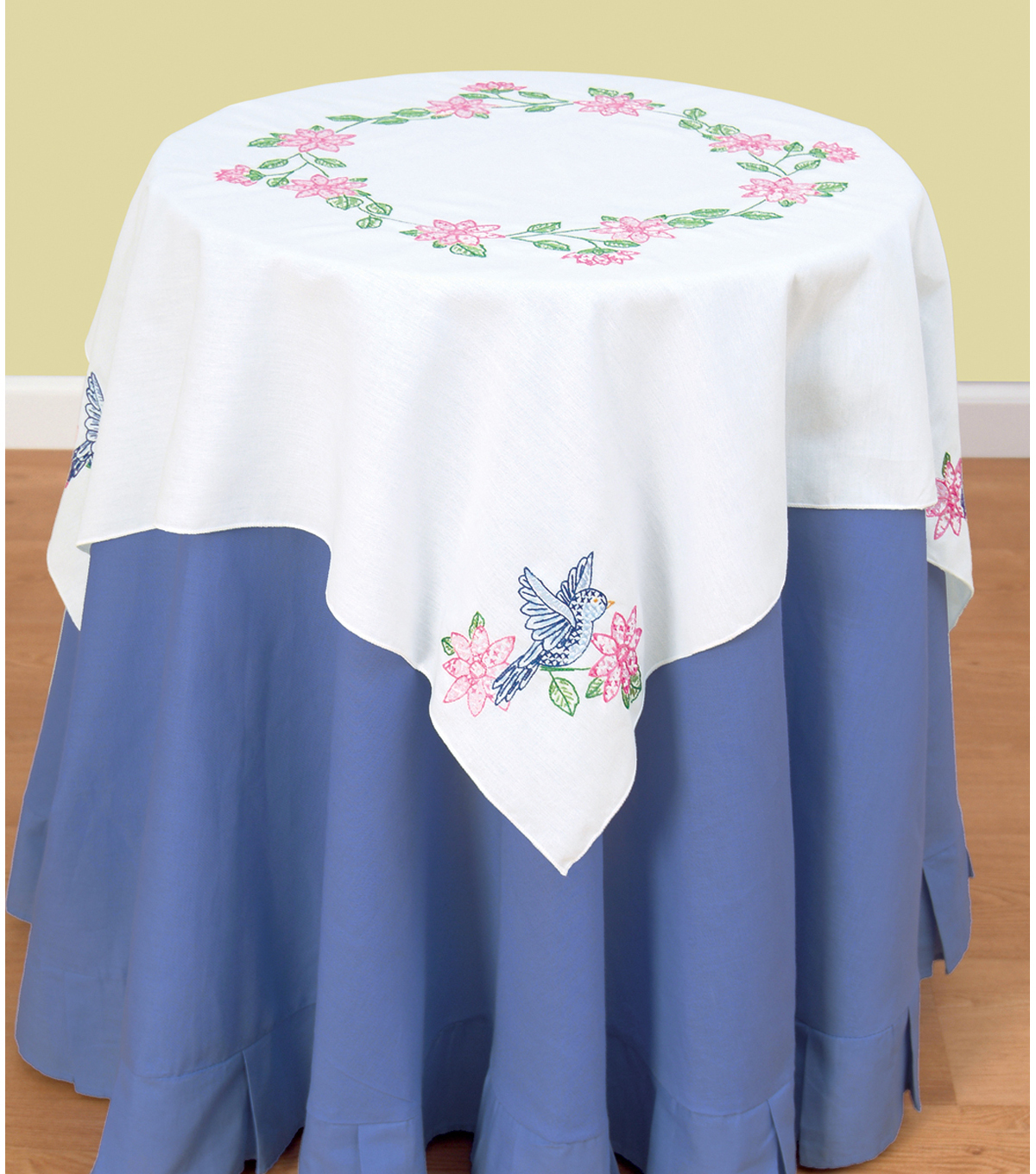 Jack Dempsey Stamped White Perle Edge Table Topper Birds