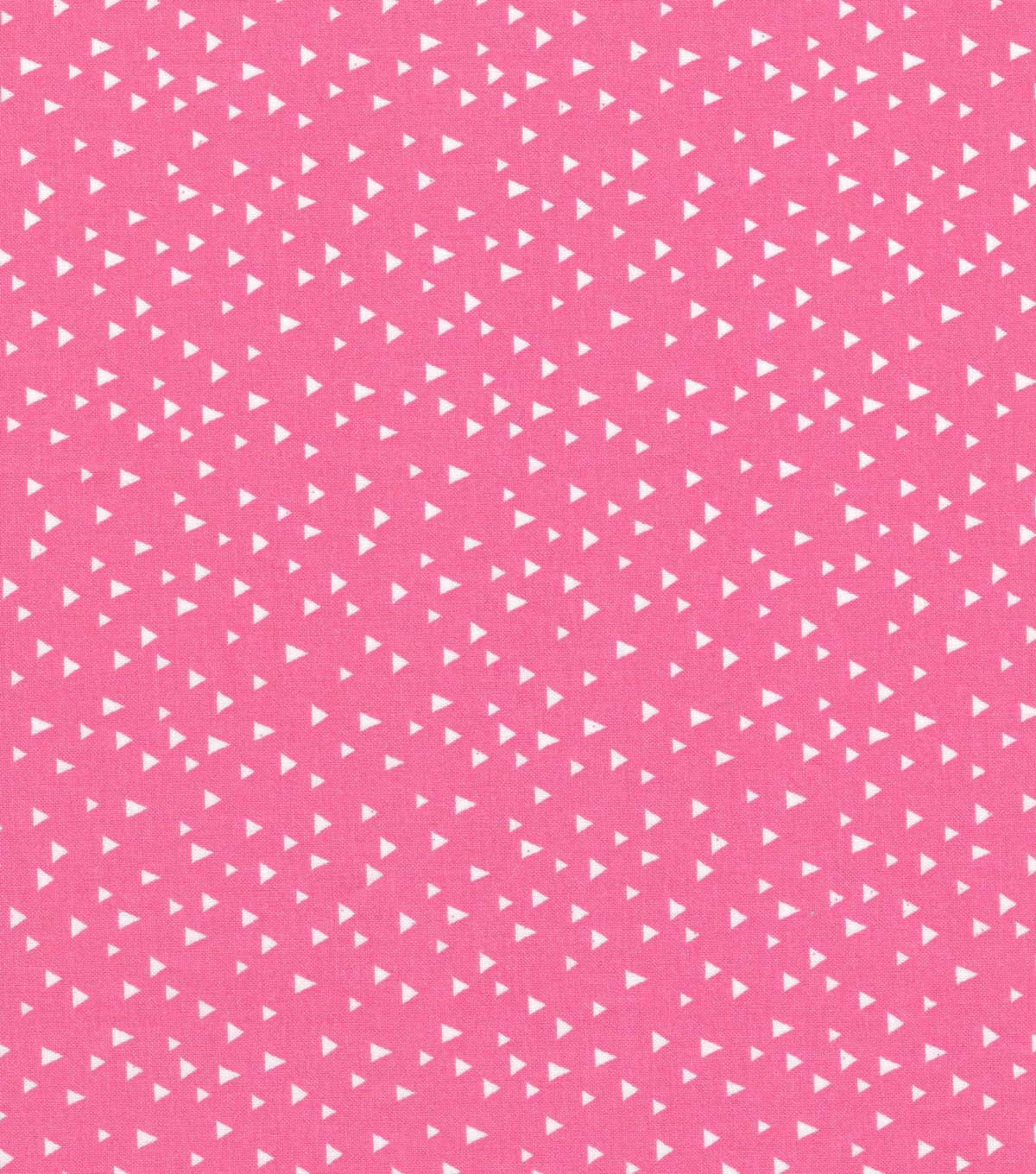 Quilter\u0027s Showcase Cotton Fabric 44\u0027\u0027-White Scattered Triangles on Pink