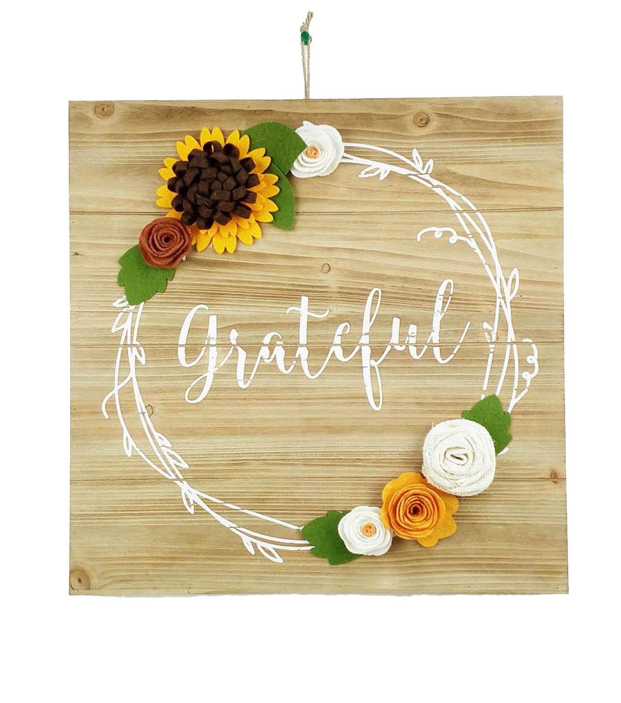 Simply Autumn Felt Wreath Grateful Wall Decor | JOANN