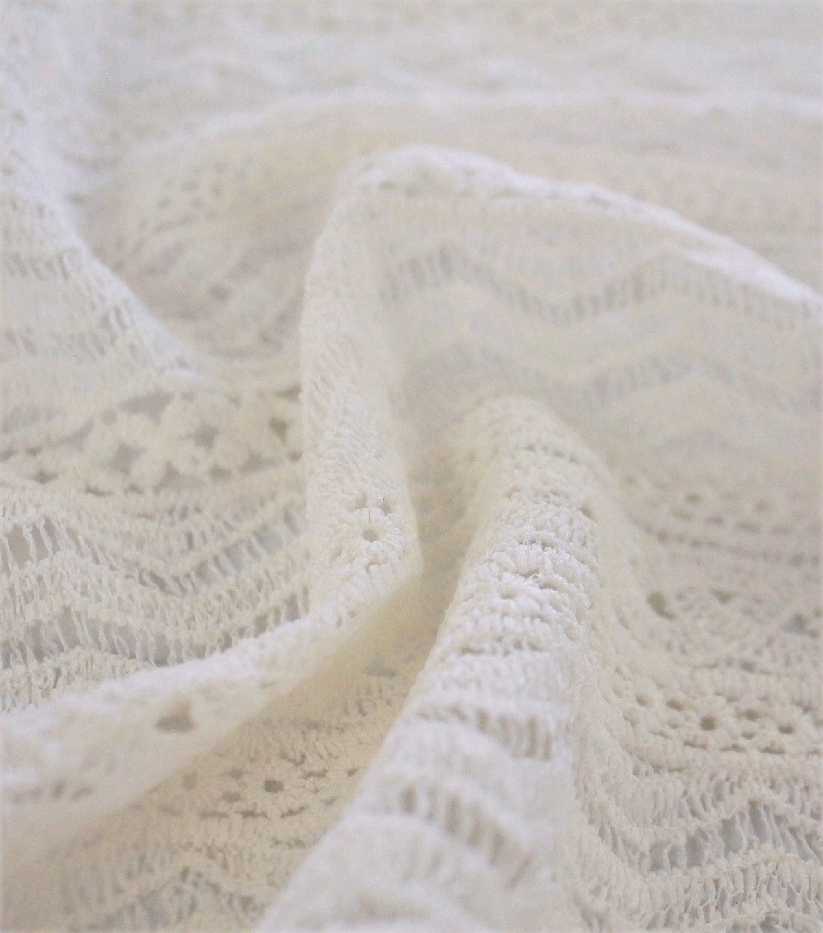 Lace Fabric with Fringe 49\u0027\u0027-Ivory