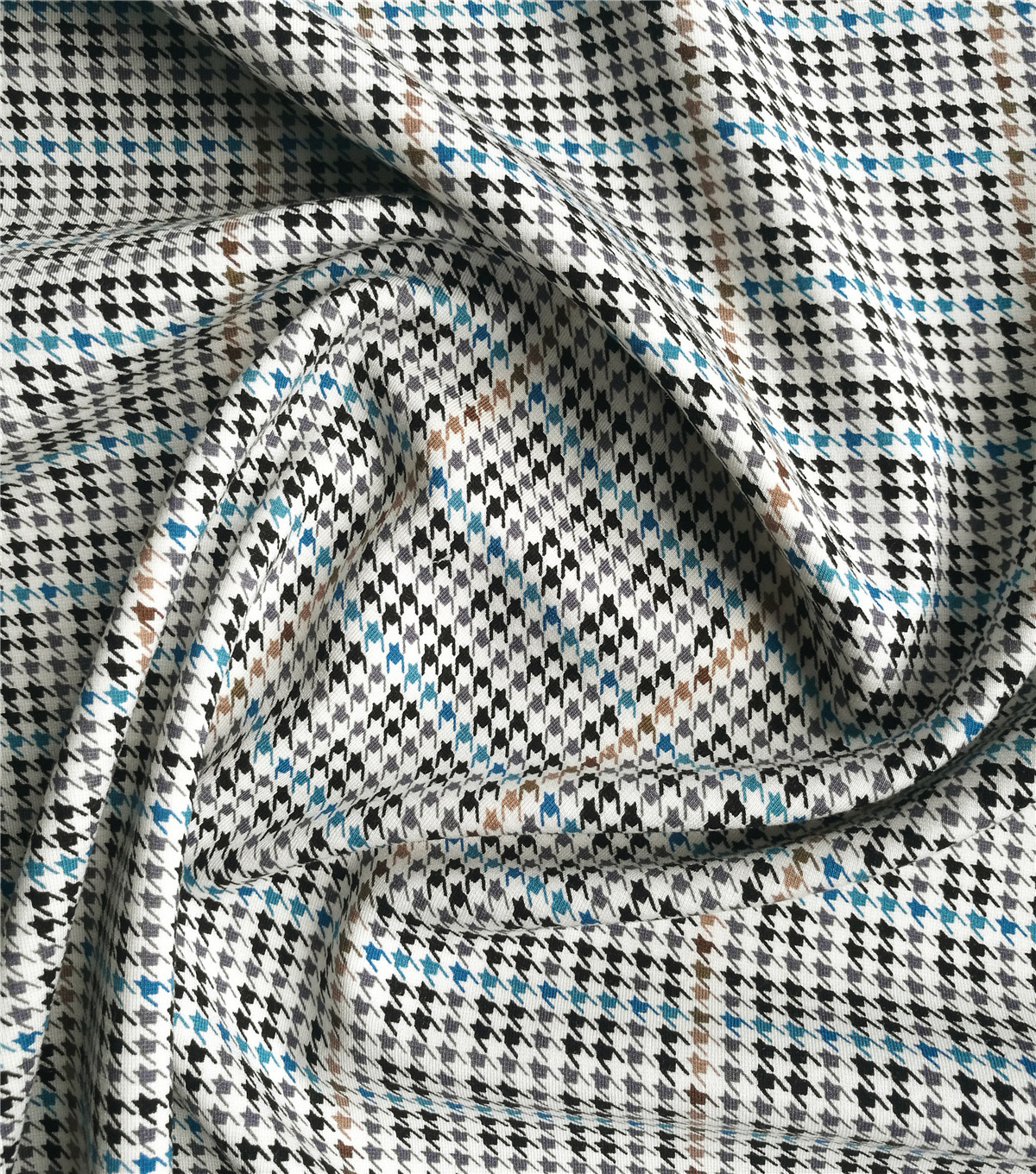 Refined Ponte Knit Fabric 58\u0022-Tan & Black Houndstooth