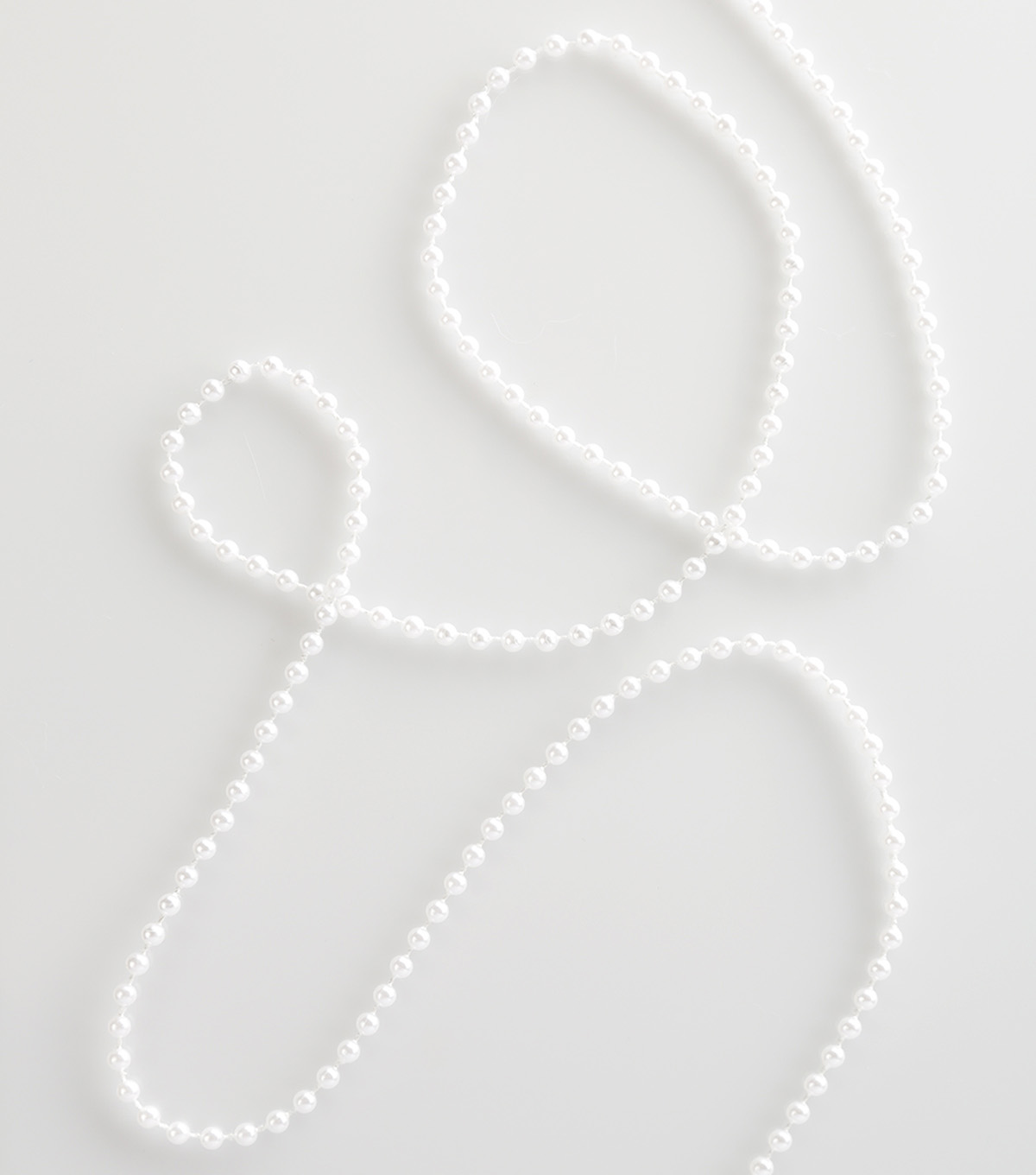 Simplicity Trims-4mm White Fused Pearls