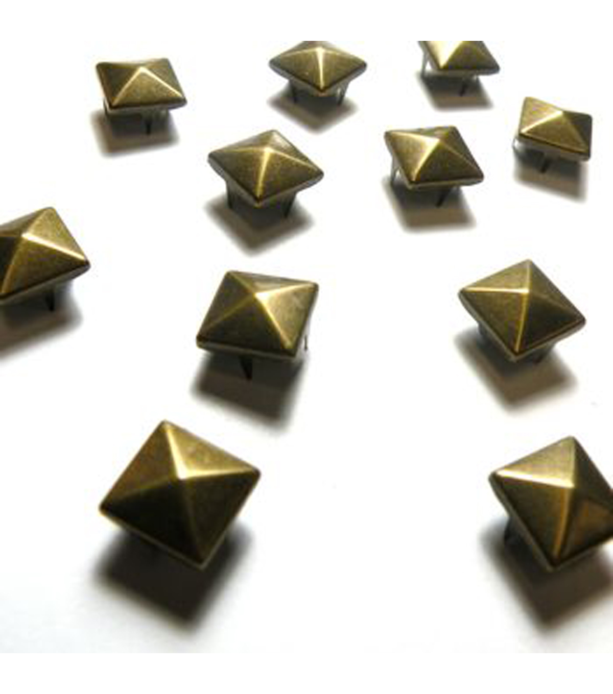 10mm Square Pyramid Matte Stud Pack